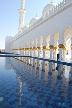 Sheikh Zayed Grand Mosque, Abu Dhabi, United Arab Emirates X Abu Dhabi, Beautiful Mosques, Beautiful Buildings, Dubai, The Places Youll Go, Places To See, Grand Mosque, Islamic Architecture, Beautiful Places In The World