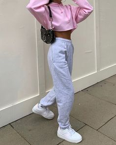 fall hipster outfits that will inspire you 17 ~ thereds.me fall hipster outfits that will Cute Lazy Outfits, Chill Outfits, Sporty Outfits, Mode Outfits, Retro Outfits, Cute Outfits With Sweatpants, 90s Style Outfits, Basic Outfits, Baggy Sweatpants
