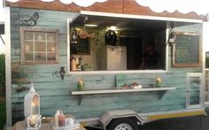 Cape Town's Top 10 Food Trucks for Weddings Image: Nastassja Harvey For those of you lovely brides planning a whimsical wedding in an enchanted forest or field of wildflowers (which may very well not have catering facilities), the great adva…