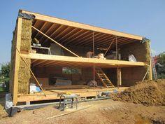 Assemblage kit maison paille   Maison en paille, Construction maison bois, Maison bioclimatique