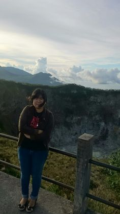 this us me...from top of mahawu mountain..tomohon..north sulawesi.indonesia. #damniloveindonesia