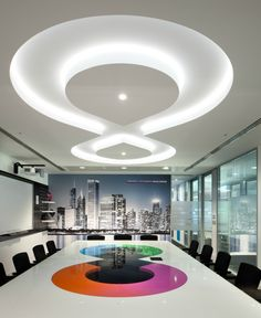 This cool lighting fixture in a figure eight was a bright idea for this office meeting room. This room also features photographic wall art and an interactive whiteboard with projector. House Arch Design, House Ceiling Design, Ceiling Design Living Room, Ceiling Decor, Gypsum Ceiling Design, Bedroom False Ceiling Design, Bedroom Pop Design, Plafond Design, False Ceiling Living Room