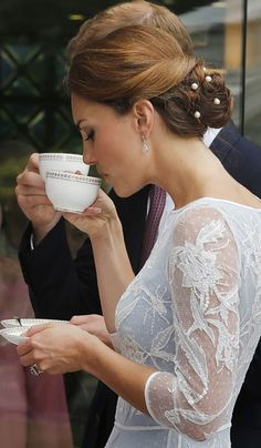 Kate the duchess of Cambridge: Asian Tour Day 4- For Diamond Jubilee Tea Party the duchess wear Alice Temperley + Kate's private fotos stolen
