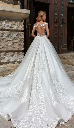 Crystal Design Wedding Inspirasi Princess Wedding Dresses cdc5edcad676