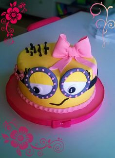 a vainilla cake. my version for a minion girl cake