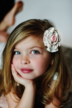 @Deanna Marozas I tagged you b/c she reminds me of AVA besides the color of her eyes and also makes me think of what Gia may look like when she is that age! lol Do you see the way they both resemble this little girl?