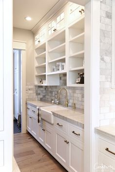 Modern European meets farmhouse dream kitchen Modern European Meets Farmhouse Dream Kitchen - Own Kitchen Pantry Kitchen Nook, Kitchen Cabinetry, Kitchen Pantry, New Kitchen, Kitchen Ideas, Kitchen Decor, Pantry Ideas, Cheap Kitchen, Soapstone Kitchen