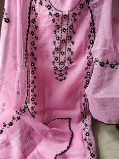 Hand Embroidery Design Patterns, Kurti Embroidery Design, Embroidery On Kurtis, Embroidery Dress, Pakistani Dress Design, Pakistani Suits, Punjabi Suits, Cotton Kurties, Classy Suits