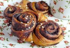 Korvapuusti - finn fahéjas csiga recept képpel. Hozzávalók és az elkészítés részletes leírása. A korvapuusti - finn fahéjas csiga elkészítési ideje: 40 perc French Toast, Muffin, Strawberry, Cooking Recipes, Sweets, Baking, Breakfast, Food, Heaven