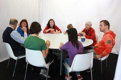 Y aquí, nuestro grupo de actores y actrices!