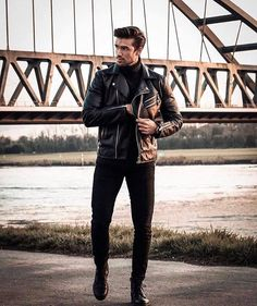 29 Fresh street style outfits for men! Stylish Men, Men Casual, Black Outfit Men, Black Outfits For Guys, Streetwear, Street Style Outfits, Moda Blog, Look Man, Leather Jacket Outfits