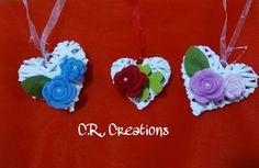 cuori per ogni occasione..base in vimini decorate con rose in feltro #hearts #cuori #rose #roses #felt #crcreations #handmade