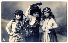 beautiful gypsy paintings and photos | The Graphics Fairy LLC*: Old Photo - Charming Gypsy Children