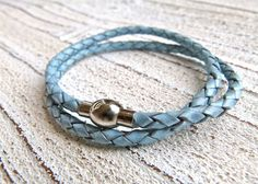 Bracelet of leather with a stainless steel magnetic closure from Charmecharming 15,00 €