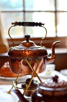 Love the teapot K T TK BK themainehouse.blogspot.com