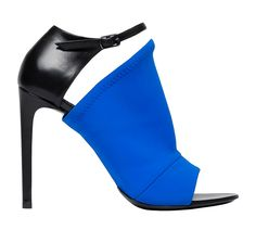 Pops of vibrant color are showing up in most all Fall 2014 collections, but none so spectacular as in this black leather and blue fabric peep-toe sandal by Balenciaga! Women's Shoes, Me Too Shoes, Shoe Boots, Shoe Bag, Crazy Shoes, Ankle Boots, Jimmy Choo, Jason Wu, Keds
