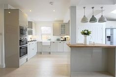 4 bedroom property for sale in Western Road, Haywards Heath - £495,000