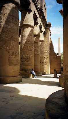 I miss feeling that I'm traveling back in time by walking through these historic sites. #Karnak #temple #ancientegypt