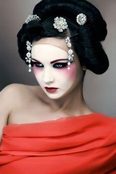 Maquillaje - makeup - Geisha Makeup https://facebook.com/apps/application.php?id=106186096099420