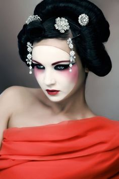 Maquillaje - makeup - Geisha Makeup https://facebook.com/apps/application.php?id=106186096099420