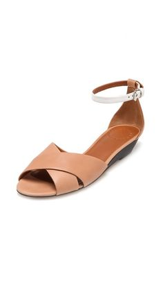 Marc by Marc Jacobs Low Wedge Sandals: beautiful shoes, just need to find their less expensive counterparts Low Wedge Sandals, Low Wedges, Summer Sandals, Simple Sandals, Sexy Sandals, Cheap Fashion, Fashion Shoes, Fashion Accessories, Hijab Fashion