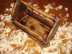 Декоративные ящички для упаковки. 670 руб. Деревянные реечные ящики мы изготавливаем из струганой сухой рейки или фанеры. Ширина реек и промежутки между ними подбираются индивидуально, исходя из ваших пожеланий, при этом соблюдается надежность всей конструкции. https://www.livemaster.ru/selskay-lavka https://vk.com/club72607868
