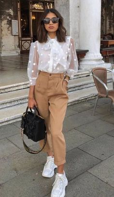 Spring Outfit Ideas 2020 Pictures pin von joli auf fashion in 2020 outfit ideen mode und outfit Spring Outfit Ideas Here is Spring Outfit Ideas 2020 Pictures for you. Outfit Chic, Ootd Chic, Spring Outfits Women, Autumn Outfits, Winter Outfits For Teen Girls, Outfit Winter, Elegantes Outfit, Mode Outfits, Office Outfits