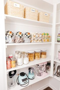 19 pantry organization tricks