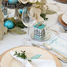 20 Gorgeous Christmas Table Setting Ideas | Spoonful