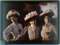 gustave gain, autochrome of three women in hats, c1910