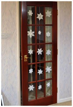 Snowflake door hanging