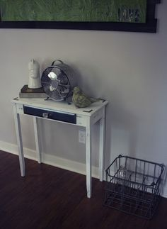 Chabby Chic Console Table. DIY