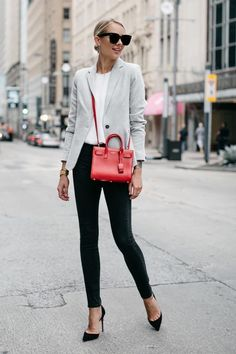 The Best Street Style Inspiration & That Make the Difference   Fashionable outfit suggestions for women who love clothes and style. #WomenStreetStyles