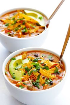 Cheesy Chicken Enchilada Soup -used regular flour because it's what I had, and added more chilli powder. Would love to use the homemade enchilada sauce next time, and Mason wants jalapenos. So freaking easy. Cheesy Chicken Enchiladas, Chicken Enchilada Soup, Chicken Soup, Tortilla Soup, Chicken Casserole, Tortilla Chips, Chilis Enchilada Soup, Casserole Recipes, Chicken Recipes