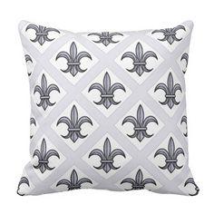 Fleur-de-Lis Pillow (silver)