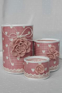 Altered can: deskorganizer Tin Can Crafts, Diy Home Crafts, Sewing Crafts, Crafts For Kids, Recycle Cans, Diy Cans, Diy Projects To Try, Craft Projects, Shabby Chic Crafts