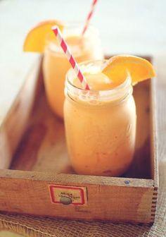 Smoothie in mason jar | Vrouwonline #smoothie #healthy