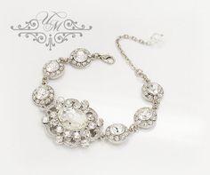 "Rhinestone crystal wedding Bracelet / Bracelet is 7"" long + 2.5"" extender with single swarovski crystal Bracelet Weight : 34g Rhinestone ornament (Focus) : H 1.5"", W 1.25"" Rhinestone ornament circle: 0.5"" 100% Brand New / https://www.etsy.com/listing/200554961/wedding-jewelry-bracelet-single-strand"