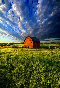 Early Risen (by Phil Koch) [barn] Country Barns, Country Life, Country Living, Country Roads, Thats The Way, That Way, Cabana, Barn Pictures, Pretty Pictures