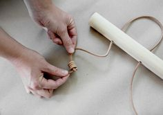gör en egen klädhängare DIY Dyi, Diy And Crafts, Inspiration, Sorting, Alice, Cottage, Organization, Thoughts, Boutique