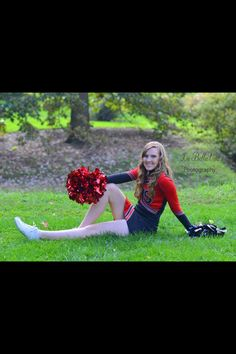 Senior cheer picture idea Cheerleading Picture Poses, Cheerleader Pictures, Cheer Picture Poses, Cheer Poses, Picture Ideas, Cute Cheer Pictures, Sports Pictures, Senior Pictures, Cheers Photo