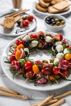Appetizer Recipes, Appetizers, Party Platters, Asparagus Recipe, Antipasto, Party Snacks, Caprese Salad, Cherry Tomatoes, Catering