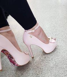 """b37843fce Week Shoes on Instagram: """"❤ROSINHA CLARO com solado FLORAL 🌸⚘🍃🌼 Peep toe  salto alto meia pata 12cm. ______👠 ACESSE NOSSO SITE:…"""""""