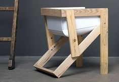 Poltrona de madeira reciclada Mais