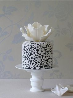 white and black cake by madewithlovebyme