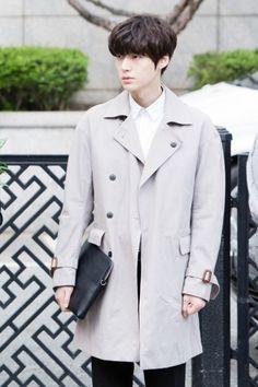 Your daily dose of Ahn Jae Hyun Madness Hot Korean Guys, Korean Boys Ulzzang, Korean Men, Asian Actors, Korean Actors, You're All Surrounded, Cinderella And Four Knights, Hong Jong Hyun, Most Handsome Actors