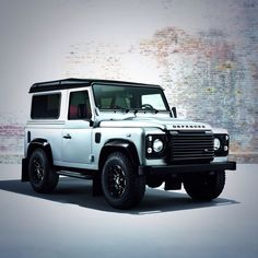 What do you think of the forthcoming Land Rover Defender XS? 'Like' if you rate it