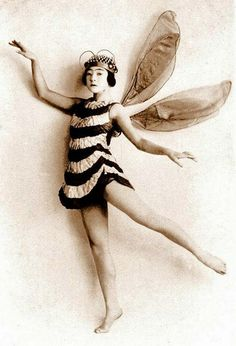 vintage halloween costume – old fashioned bee fairy – kids halloween costume ideas | Small for Big