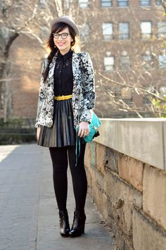floral print blazer with black outfit