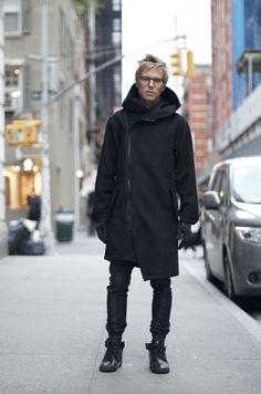 name : Ryan Hursh, coat : OAK, shoes : glasses : Schnuchel (via An Unknown Quantity) Black clothes, Futuristic Fashion Gothic Fashion Men, All Black Fashion, New Fashion, Trendy Fashion, Male Fashion, Street Fashion, Black Wardrobe, New York Street Style, Cyberpunk Fashion